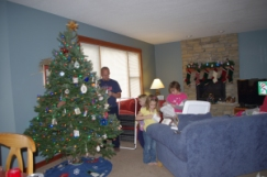 Decorating the tree 2012... with Dr. Evil....